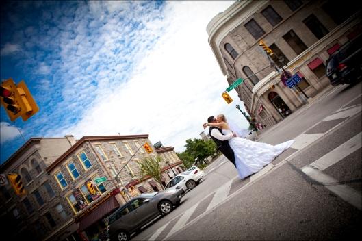 wedding photo urban chic